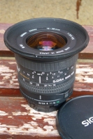 SIGMA ZOOM 18-35 mm 1:3.5-4.5 en monture MINOLTA MD