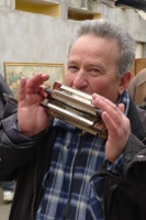 Le joueur d'harmonica(s)